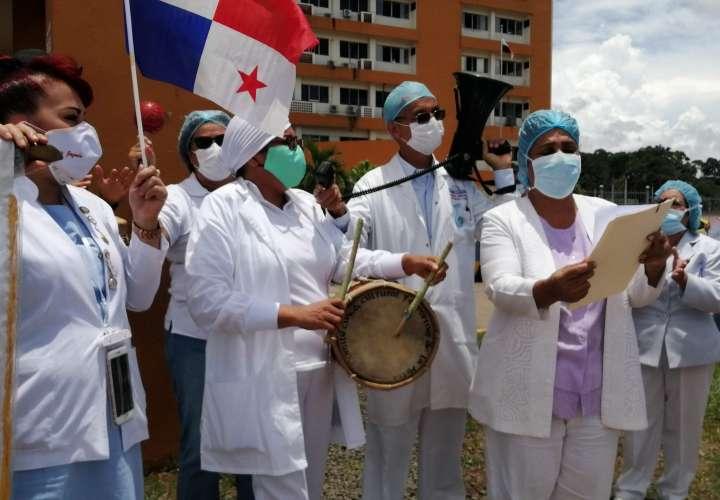 Va bajando el pago de las enfermeras, dice el Minsa
