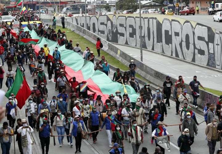 La alcaldesa de Bogotá recibe a la minga indígena