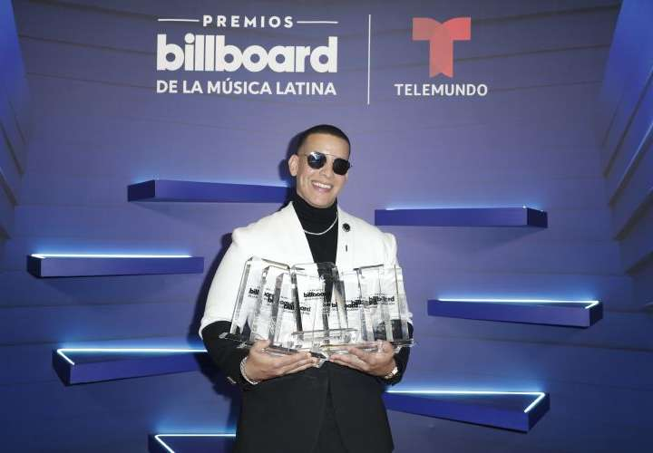 Daddy Yankee y Bad Bunny dominan los Latin Billboards