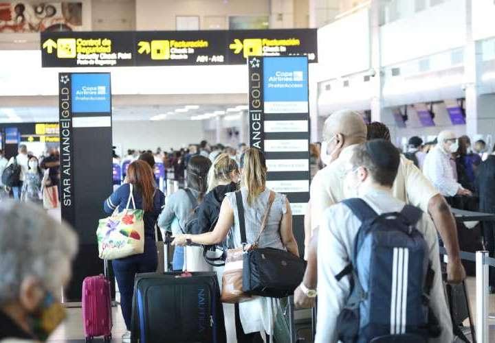Más de 54 mil viajeros en 8 días