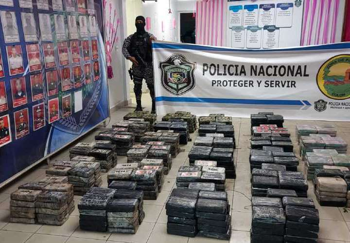 Andaban de cacería y detectan sacos de cocaína