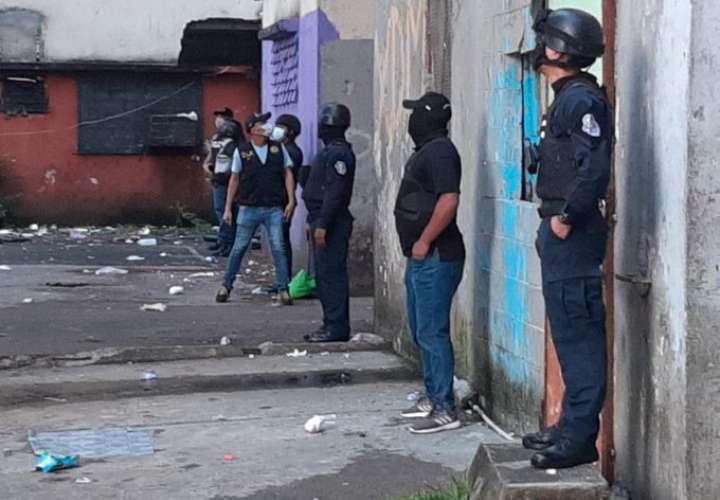 Ubican armas y droga en multis de Barraza  [Video]