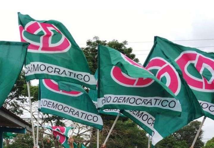 CD pierde 6,758 adherentes en dos semanas y Panameñismo 4,306