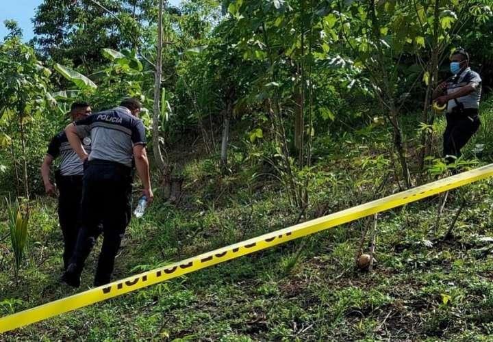 Hallan cuerpo sin vida en área montañosa de Cativá