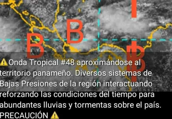 Más lluvias este fin de semana. Se aproxima la Onda Tropical No.48 [Video]