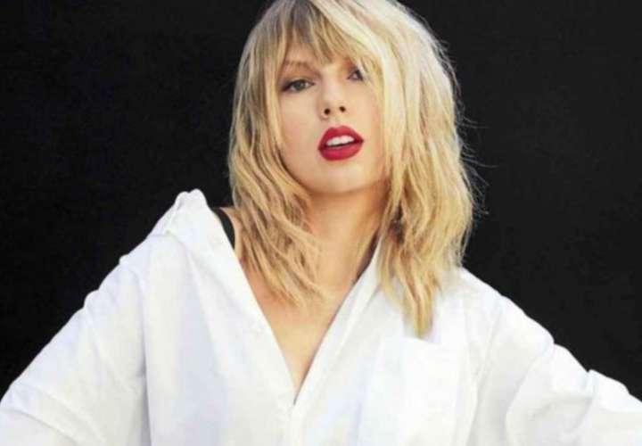 Taylor Swift, artista del año de los AMAs