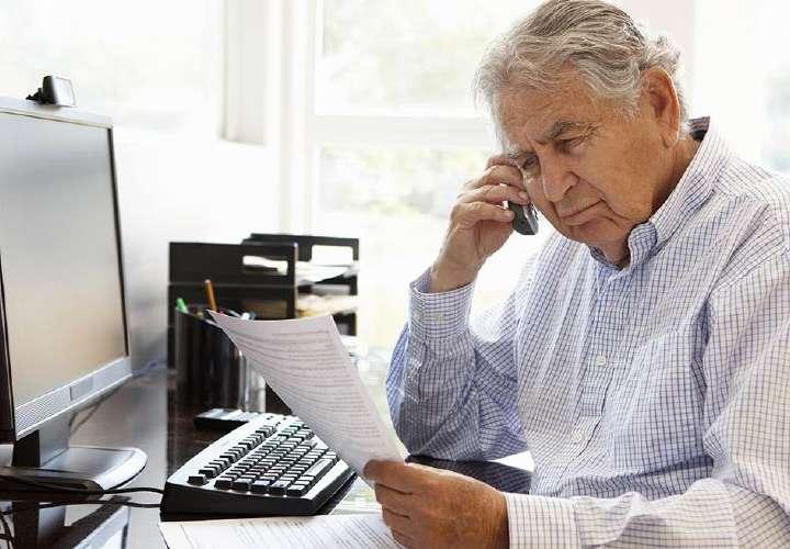 Mayores de 60 y enfermos crónicos deben retornar ya a sus puestos