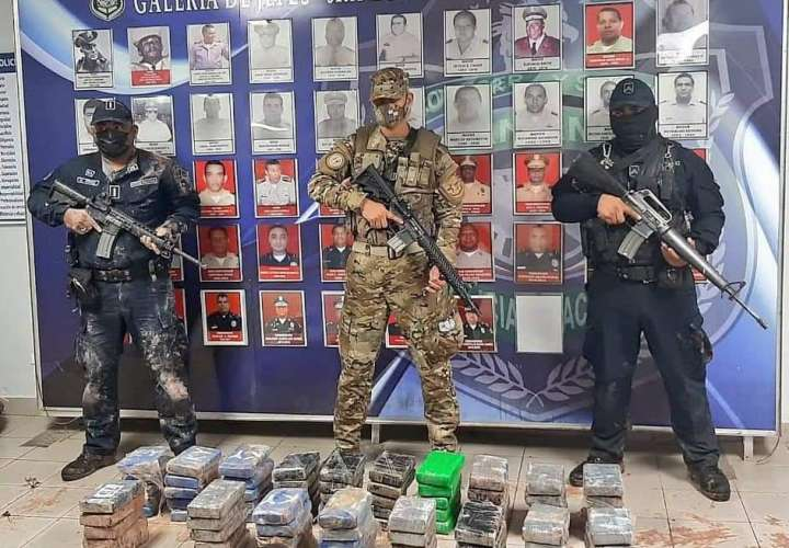 Narcos entierran droga; encuentran caleto en Costa Arriba de Colón