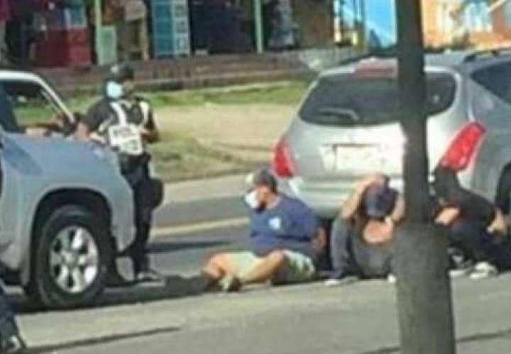 Detienen a sujetos por intento de privación de libertad en Colón  [Video]