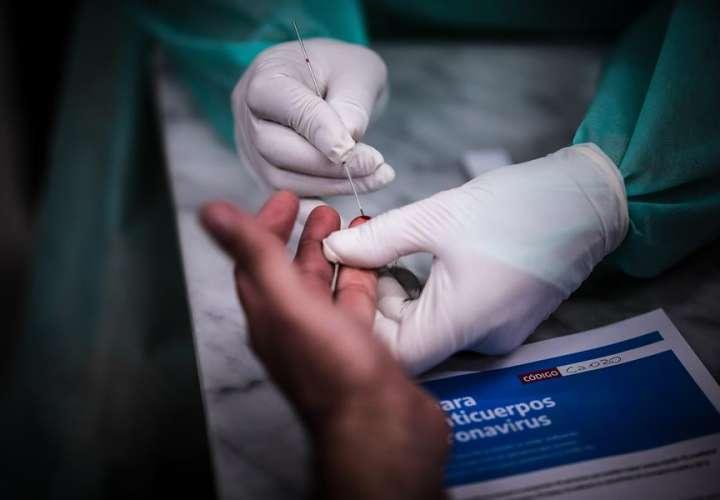 Un estudio encuentra anticuerpos en el 91 % de los infectados 6 meses después