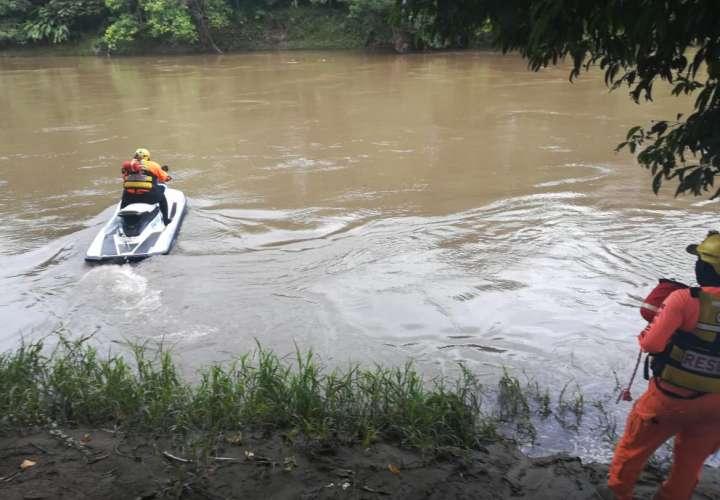 En el operativo participan 10 voluntarios y funcionarios de Sinaproc quienes se trasladaron a la comunidad de Finca Fátima en Divalá donde ocurrió el  hecho.