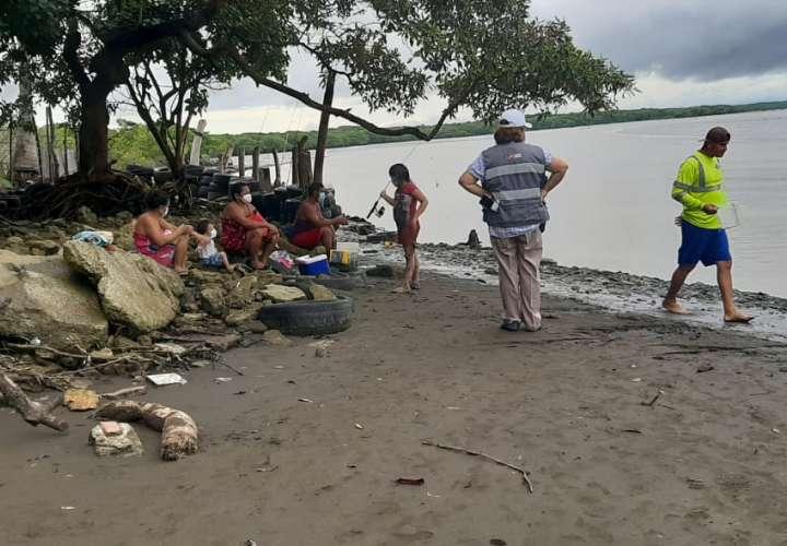 Personal del entidades de seguridad y de Salud recorrieron los sitios de playa y recreación.