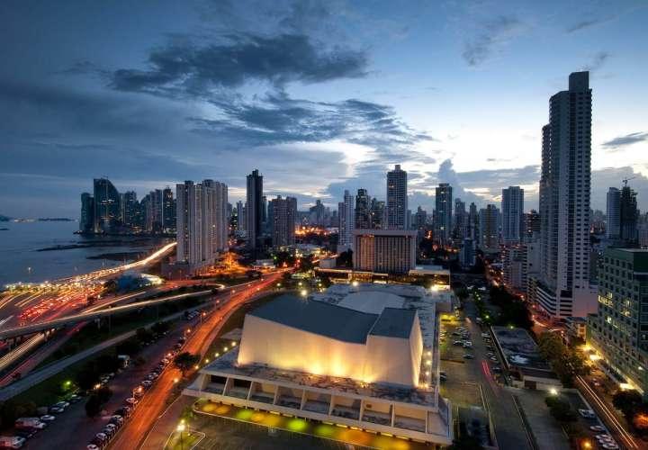 Firman decreto que incentiva y dinamiza la actividad turística en Panamá