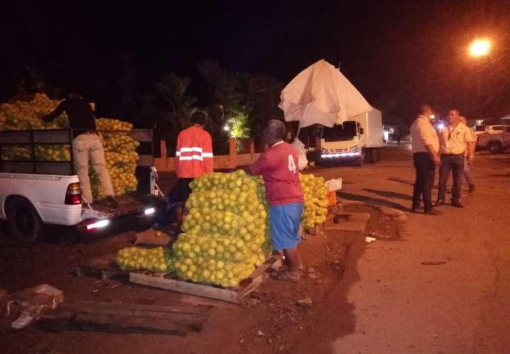 Le caen a vendedores ilegales en los alrededores de mercado de La Chorrera