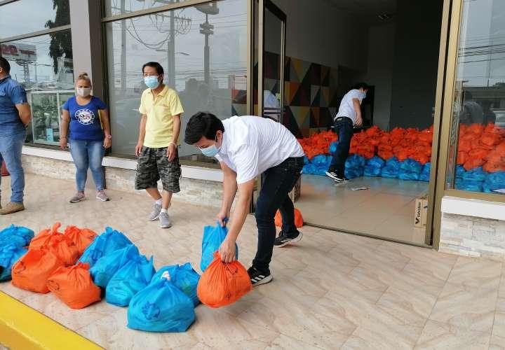 Comunidad china distribuye alimentos entre población de Azuero