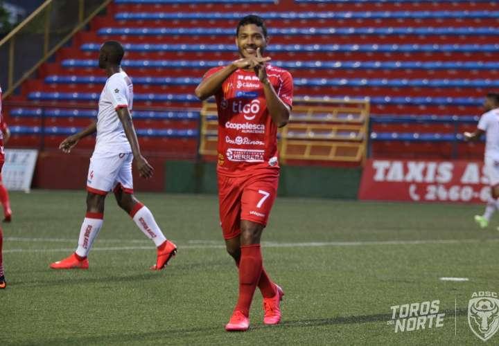 Jorman Aguilar se reencuentra con el gol