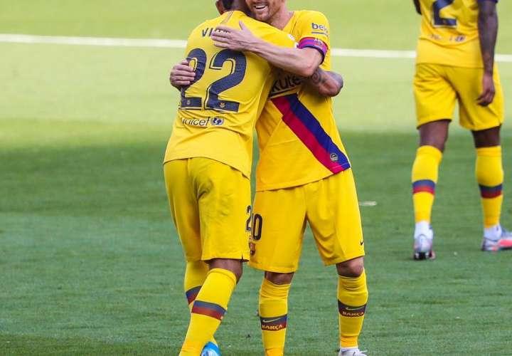 Barcelona mantiene la esperanza del título en Liga Española