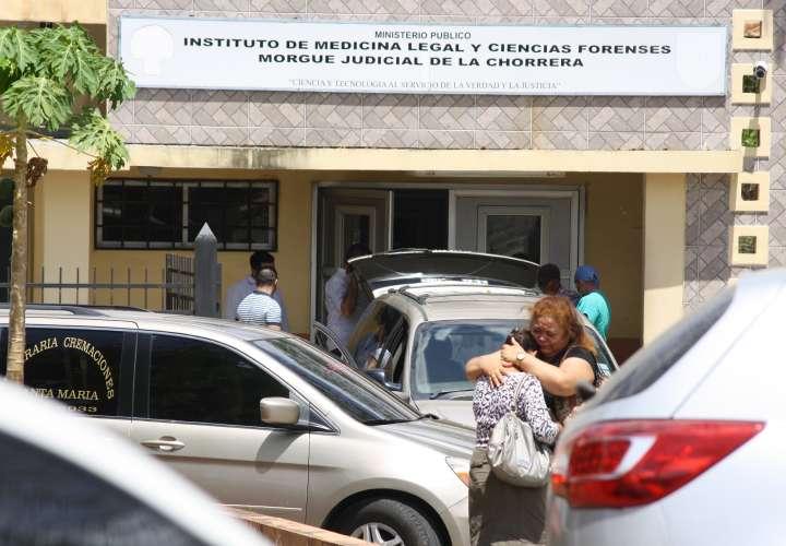 Trasladan cuerpos de las tres mujeres asesinadas en El Tecal a morgue privada