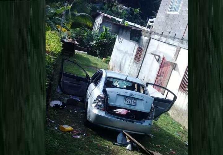 Vandalizan vehículo y le meten candela en  Cristóbal