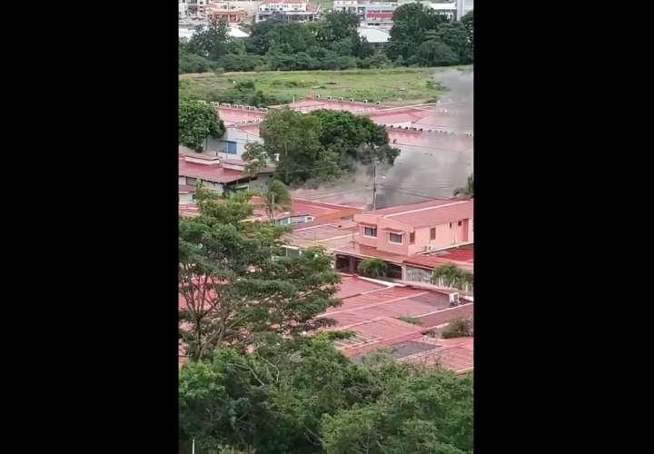Se incendia vivienda en Colinas Dorasol (Video)