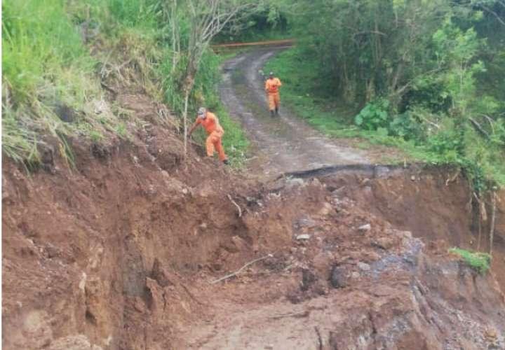 Colapsa carretera; se mantiene cerrada vía hacia Boquete
