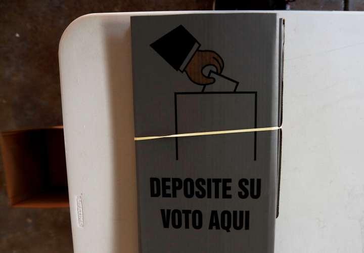 Los salvadoreños elegirán mañana a su gobernante para los próximos 5 años