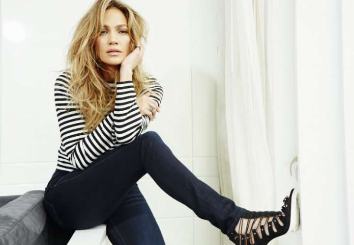 Jennifer López encabezará filme de bailarinas de 'striptease'