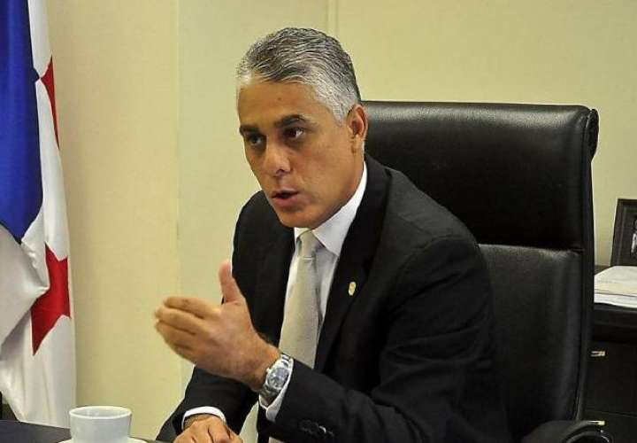 En 3 y 2, ratificación de Jorge González para directivo del Canal