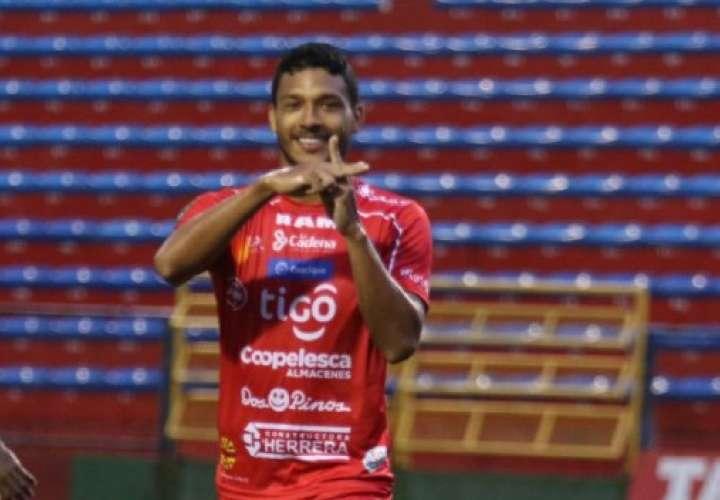 Jorman Aguilar, quien juega con el San Carlos de la primera división del fútbol de Costa Rica, es uno de los convocados por el técnico Thomas Christiansen.