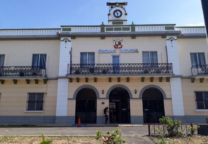 Dos detenidos por posesión de 7 paquetes de droga en Chiriquí