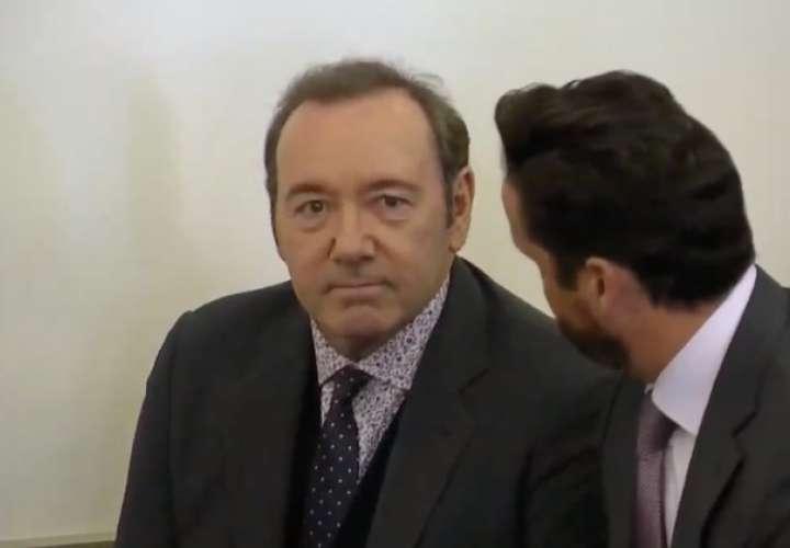 Kevin Spacey compareció ante el tribunal por los cargos de abuso sexual