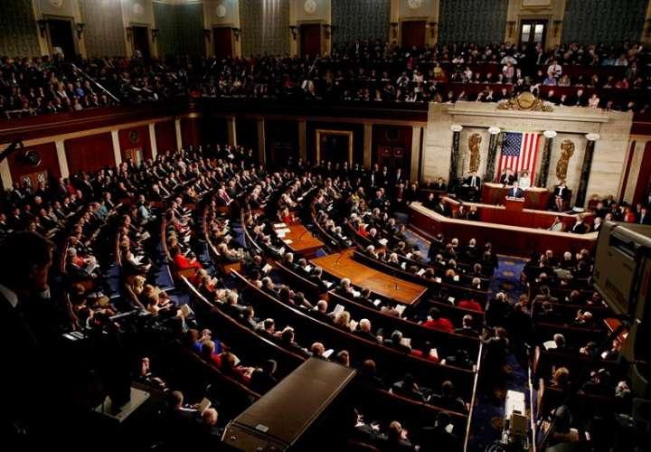 Con 121 votos a favor y 301 en contra, los republicanos siguen siendo incapaces de proponer un texto legislativo que convenza tanto a sus correligionarios como a los demócratas para solucionar el problema de los jóvenes indocumentados. EFE/archivo