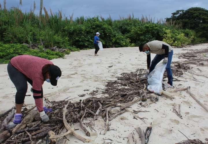 Alcalde de Pedasí denuncia que personas ajenas al distrito ensucian las playas