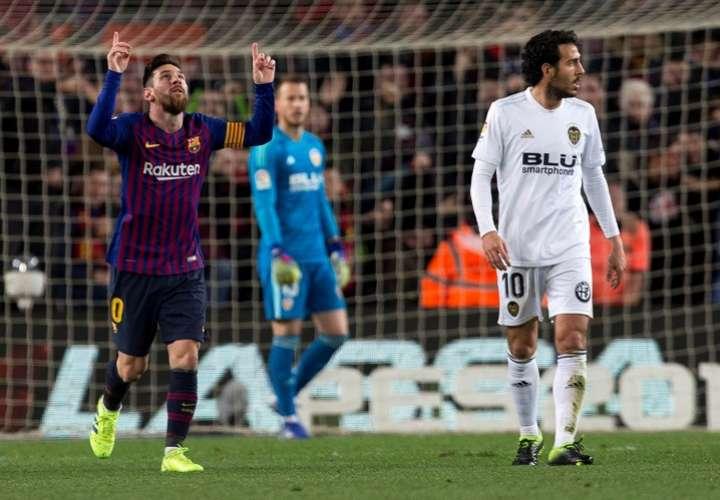 El delantero argentino del FC Barcelona Leo Messi celebra el segundo gol ante el Valencia. Foto: EFE