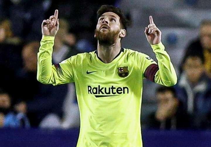 El delantero argentino del FC Barcelona Leo Messi celebra una de sus anotaciones. Foto: EFE