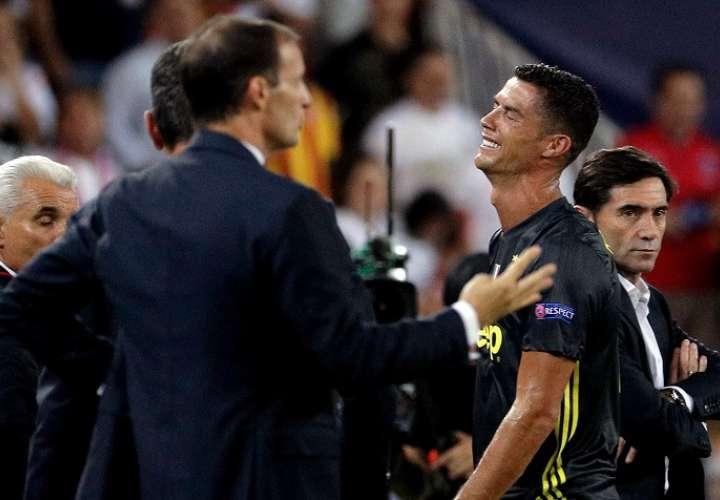 Cristiano reventó en llanto tras su expulsión./ EFE