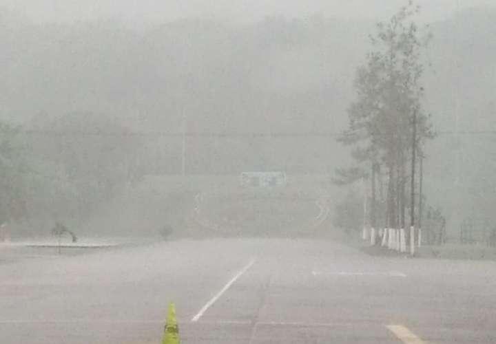 Lluvias, ráfagas de vientos y oleajes por desplazamiento de Onda Tropical