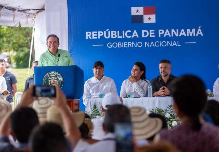 Gobierno inicia construcción de carretera en Veraguas
