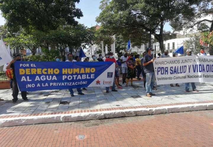 Precaristas de 5 comunidades reclaman viviendas dignas