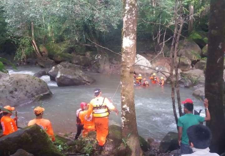 Los cuerpos de ambas menores fueron encontrados a unos 9 kilómetros de distancia desde el lugar donde lamentablemente fueron arrastradas por la crecida del afluente.
