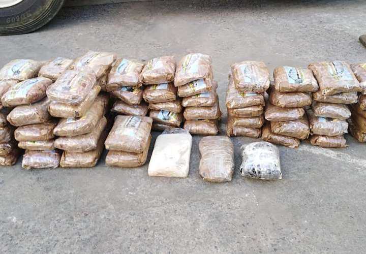Articulado llevaba una carga de 70 paquetes de droga