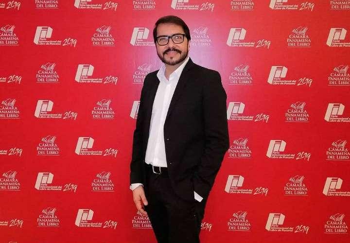 Miguel Esteban revela la portada de su quinta novela