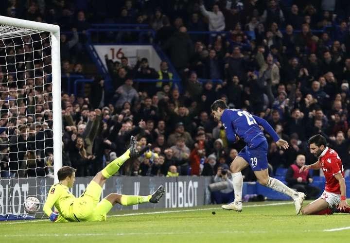 Álvaro Morata selló el pase del Chelsea a la cuarta ronda de la 'FA Cup' ante el Nottingham Forest de Aitor Karanka (2-0) . Foto: AP