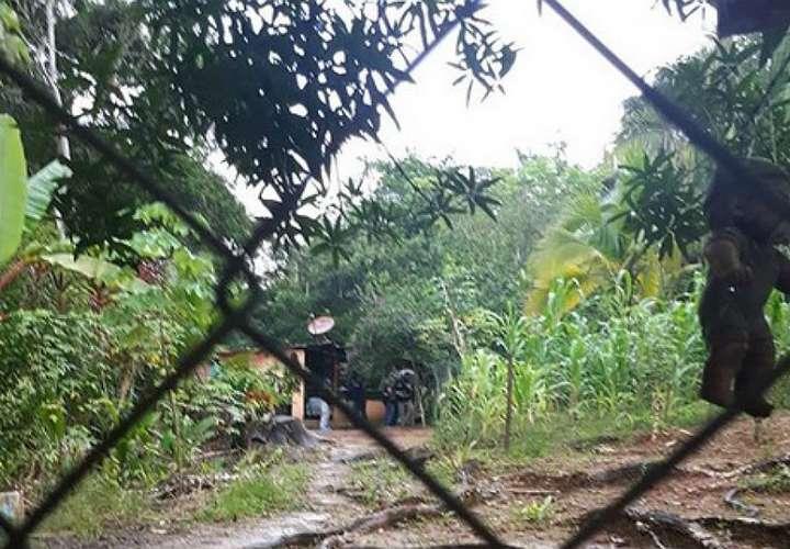 Vista general de la casa en donde fue ubicado el cadáver de la víctima.