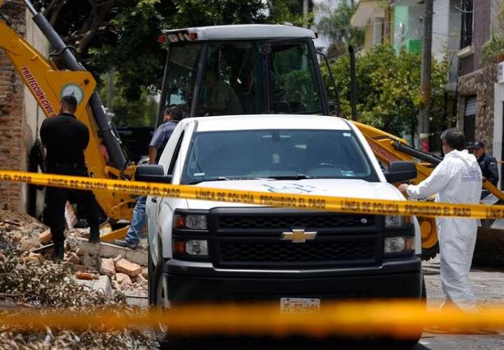 Vista general hoy, domingo 5 de agosto de 2018, del sitio donde fueron encontrados 10 cuerpos en una fosa clandestina de la ciudad de Guadalajara, en el estado de Jalisco (México). EFE
