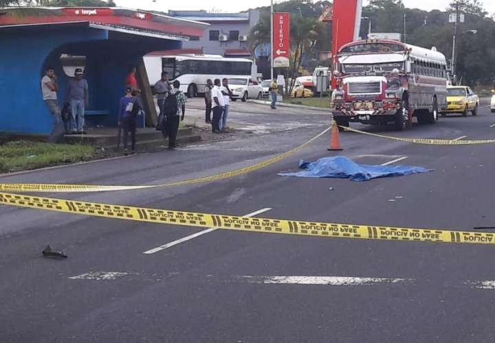 Dos muertos por atropello en Colón [VIDEO]