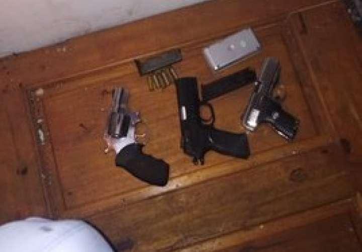 Arrestos, armas y dinero falso en operativo policial en Santa Ana y El Chorrillo