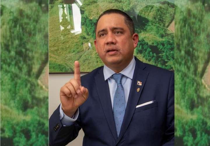 En la imagen el nuevo presidente de la Asamblea de Panamá. Foto: EFE
