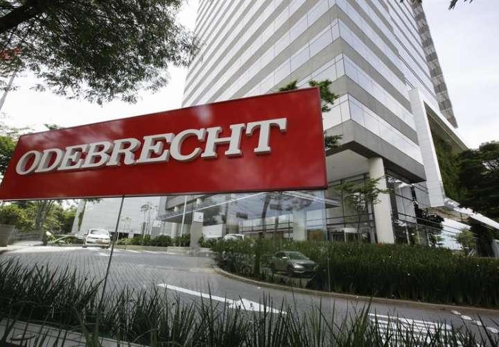 Según la Fiscalía, las coimas que pagó Odebrecht en el país para hacerse con el contrato de la carretera Ruta del Sol II fueron de 84.000 millones de pesos (unos 28,35 millones de dólares). EFE/Archivo