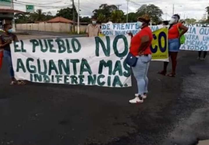 Pacientes de hemodiálisis de la CSS protestan por falta de insumos en Colón